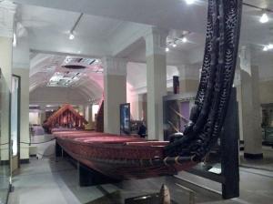 Un canoe de guerre de 25m de long ! Nico, tu challenges ?!