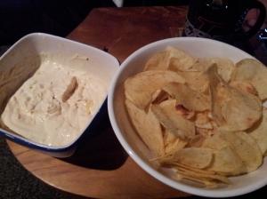 Spécialité du pays (désolé j'ai oublié le nom) à base de fromage et d'oignons. Tout le monde mange ça pendant les matchs de rugby/league !