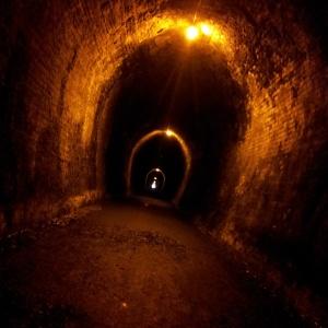 La lumière est au bout du tunnel...